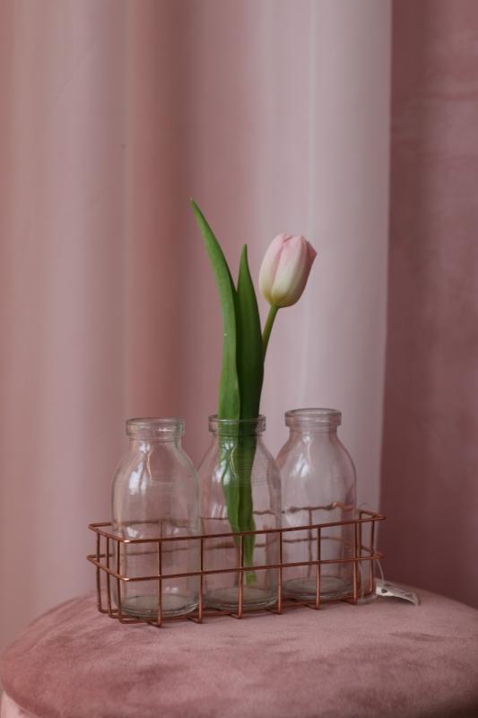 Набор декоративных стеклянных ваз в металической корзинке
